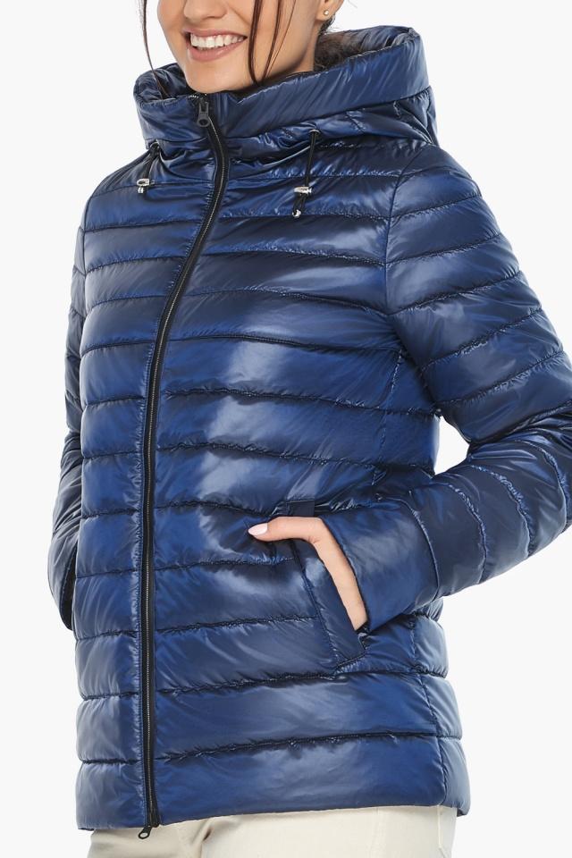 """Куртка с вшитым капюшоном женская осенне-весенняя сапфировая модель 68240 Braggart """"Angel's Fluff"""" фото 7"""