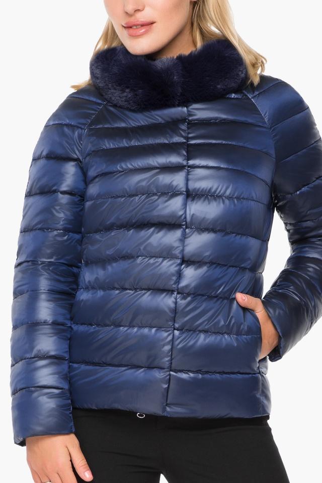 """Короткая женская осенне-весенняя куртка сапфировая модель 40267 Braggart """"Angel's Fluff"""" фото 6"""