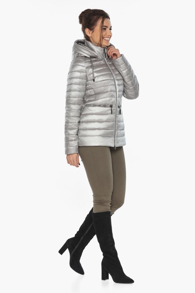 """Люксовая куртка женская осенняя цвет перламутровый светло-серый модель 63045 Braggart """"Angel's Fluff"""" фото 2"""