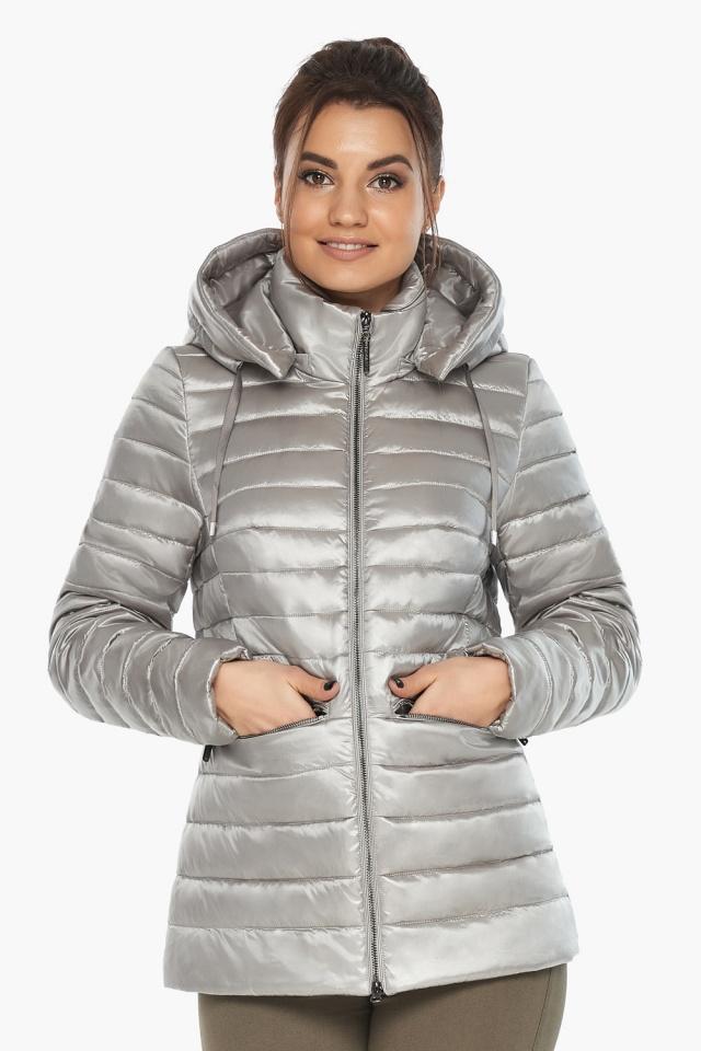 """Люксовая куртка женская осенняя цвет перламутровый светло-серый модель 63045 Braggart """"Angel's Fluff"""" фото 3"""