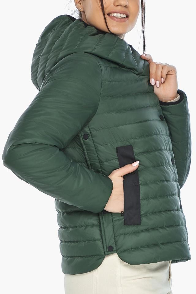 """Нефритовая женская куртка с капюшоном осенняя модель 64150 Braggart """"Angel's Fluff"""" фото 7"""