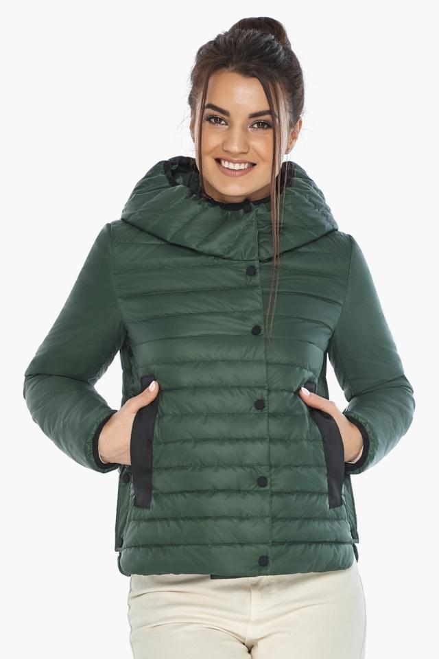 """Нефритовая женская куртка с капюшоном осенняя модель 64150 Braggart """"Angel's Fluff"""" фото 3"""
