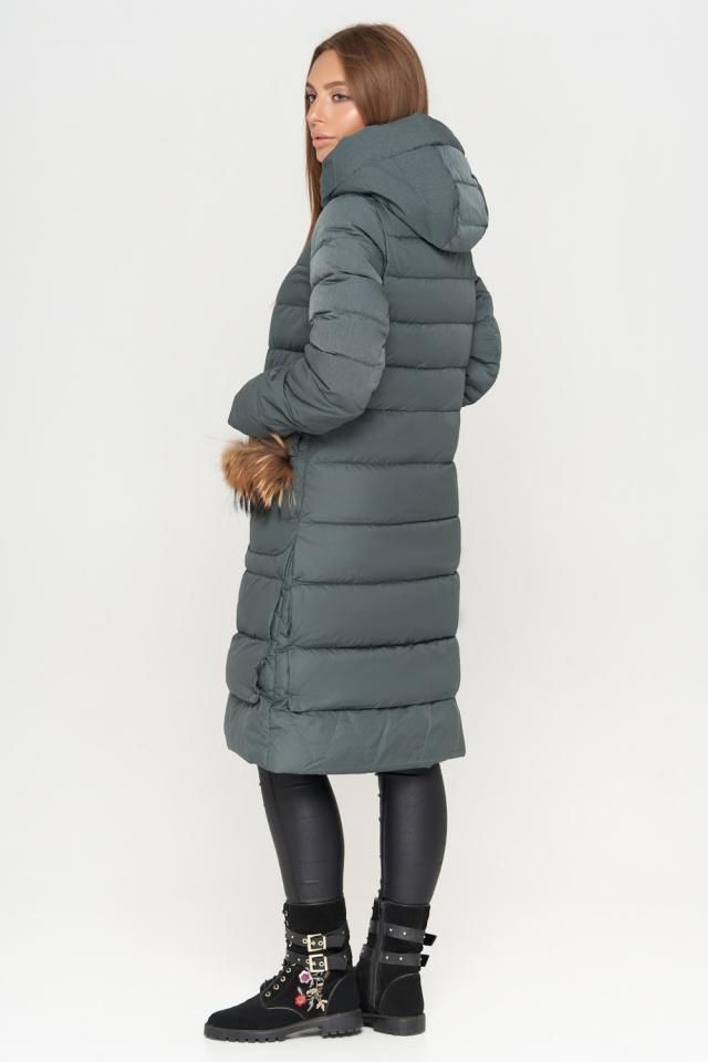 Изумрудная женская куртка с капюшоном зимняя модель 717