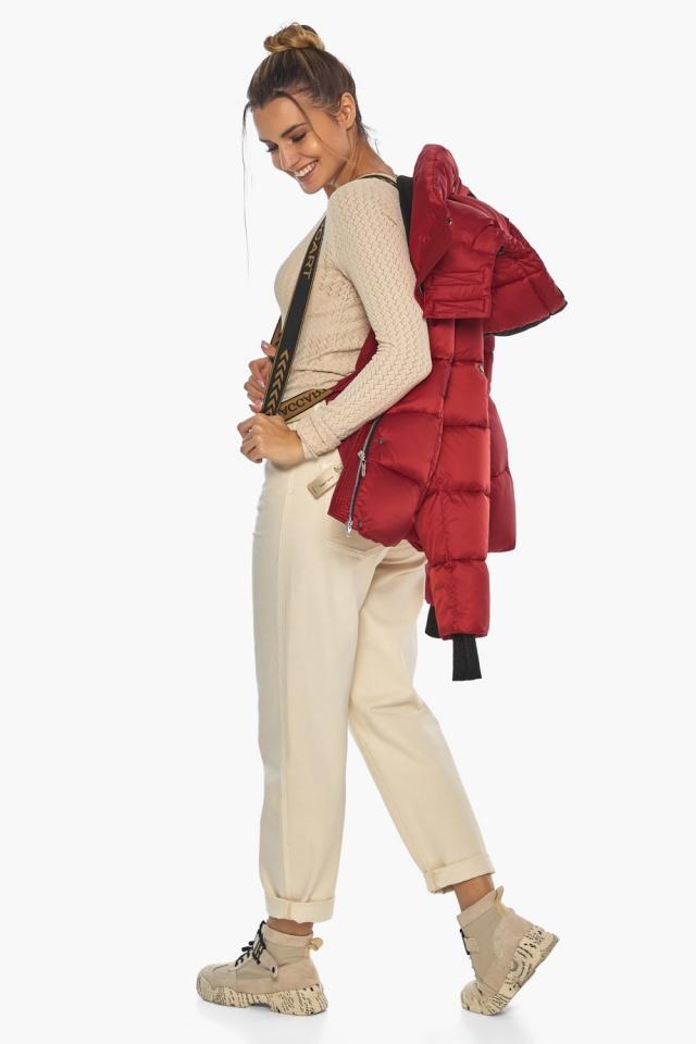 """Рубиновая куртка с воротником женская зимняя модель 57520 Braggart """"Angel's Fluff"""" фото 4"""