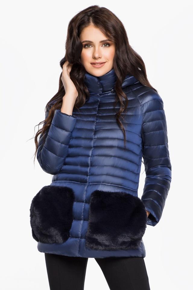 """Сапфировая женская куртка короткая модель 15115 Braggart """"Angel's Fluff"""" фото 4"""