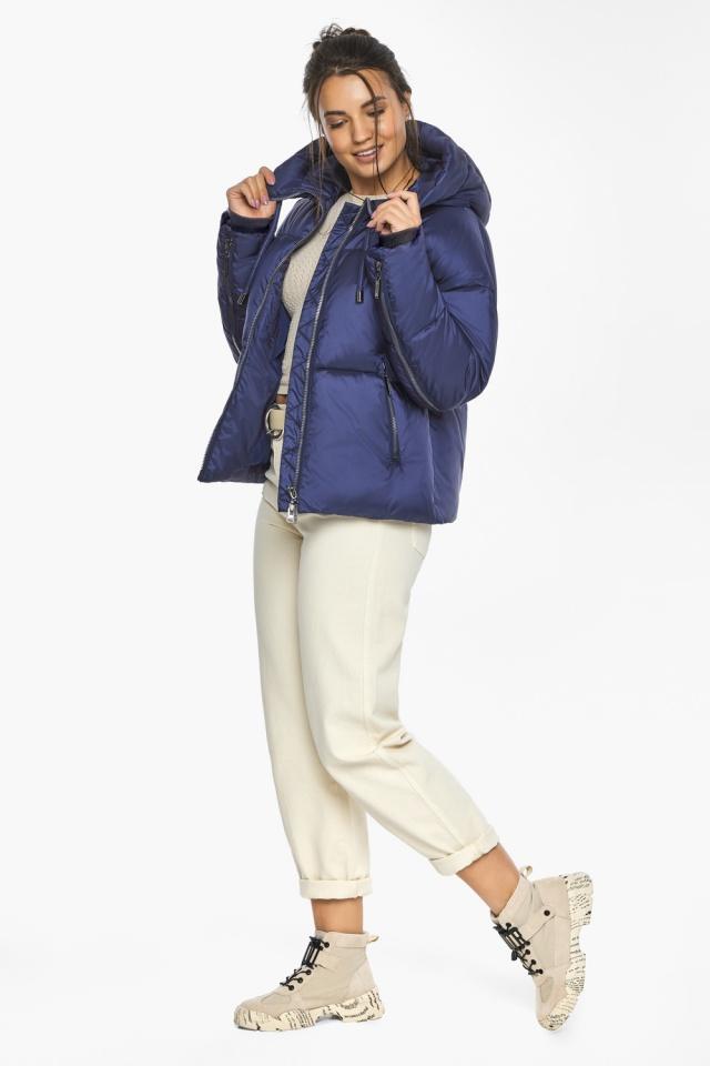 """Куртка женская с вшитым капюшоном зимняя цвет синий бархат модель 46280 Braggart """"Angel's Fluff"""" фото 3"""