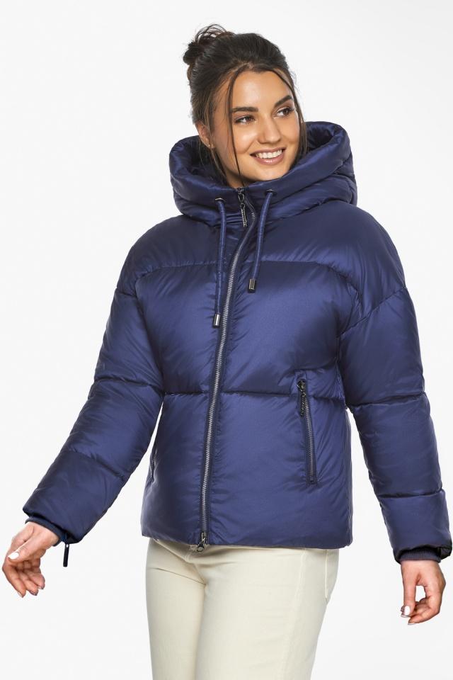 """Куртка женская с вшитым капюшоном зимняя цвет синий бархат модель 46280 Braggart """"Angel's Fluff"""" фото 6"""