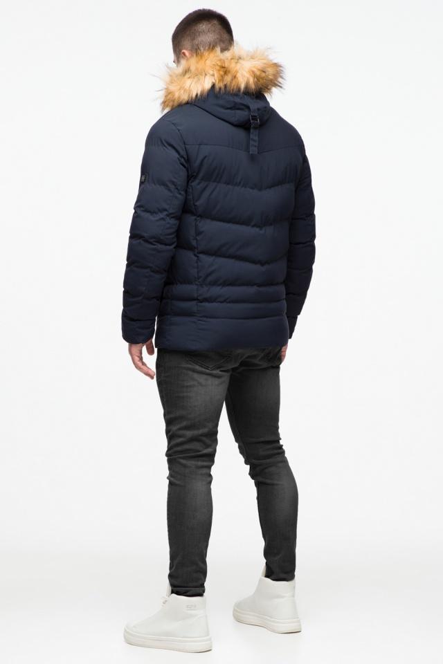 Темно-синяя молодежная мужская куртка зимняя с опушкой модель 25370