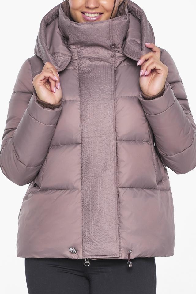 """Короткая пудровая куртка женская зимняя модель 43560 Braggart """"Angel's Fluff"""" фото 6"""