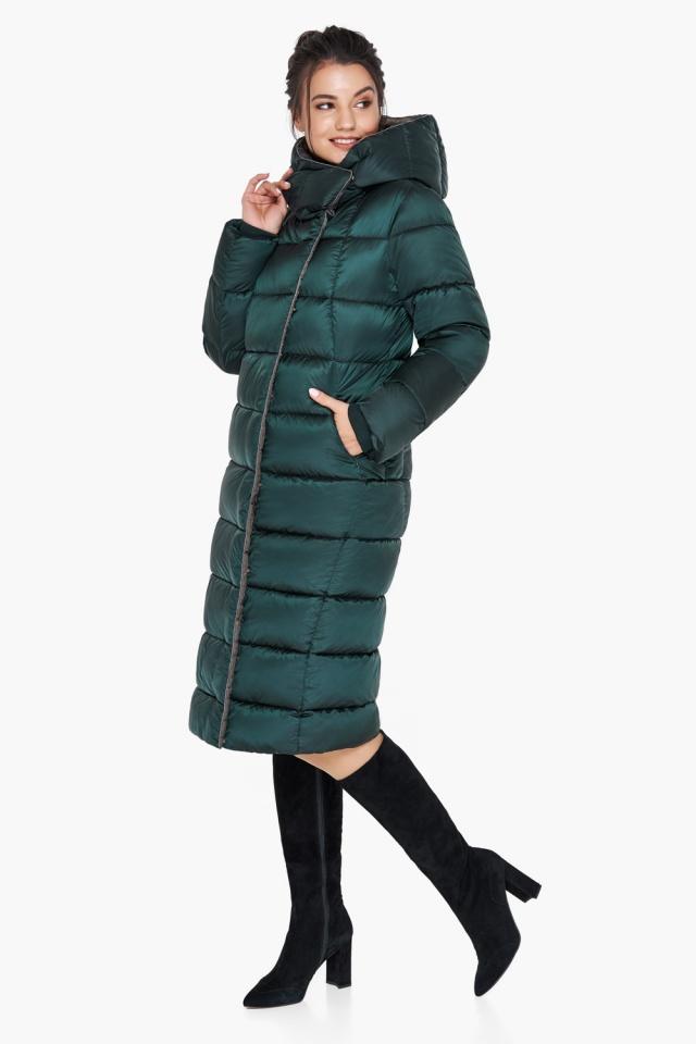 """Удлинённая женская изумрудная куртка зимняя модель 31028 Braggart """"Angel's Fluff"""" фото 2"""
