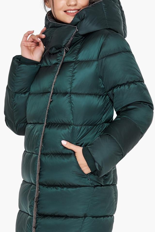 """Удлинённая женская изумрудная куртка зимняя модель 31028 Braggart """"Angel's Fluff"""" фото 7"""