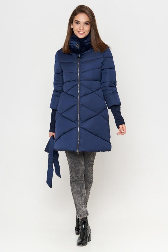 Синяя куртка зимняя с поясом женская модель 2108