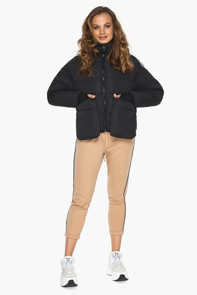 Чёрная куртка с необычным карманом для девушки модель 26370 Youth фото 4