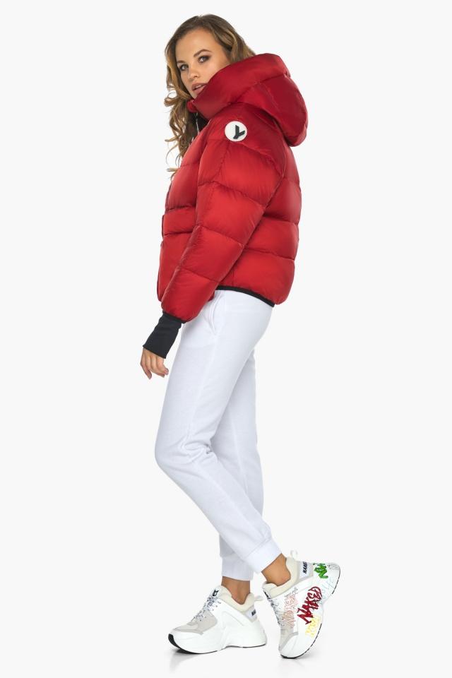Подростковая рубиновая куртка Youth из изысканной ткани модель 26370 Youth фото 3