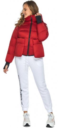 Подростковая рубиновая куртка Youth из изысканной ткани модель 26370 Youth фото 1