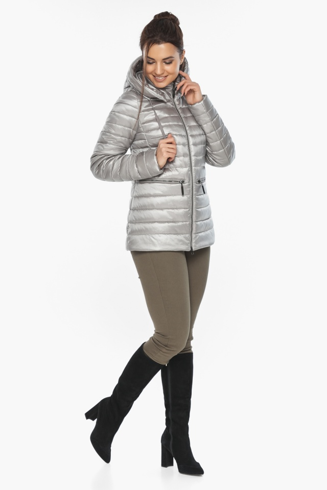 """Фирменная женская куртка цвет перламутровый светло-серый модель 63045 Braggart """"Angel's Fluff"""" фото 2"""