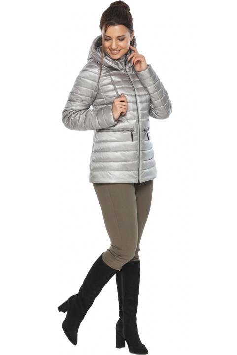 """Фирменная женская куртка цвет перламутровый светло-серый модель 63045 Braggart """"Angel's Fluff"""" фото 1"""