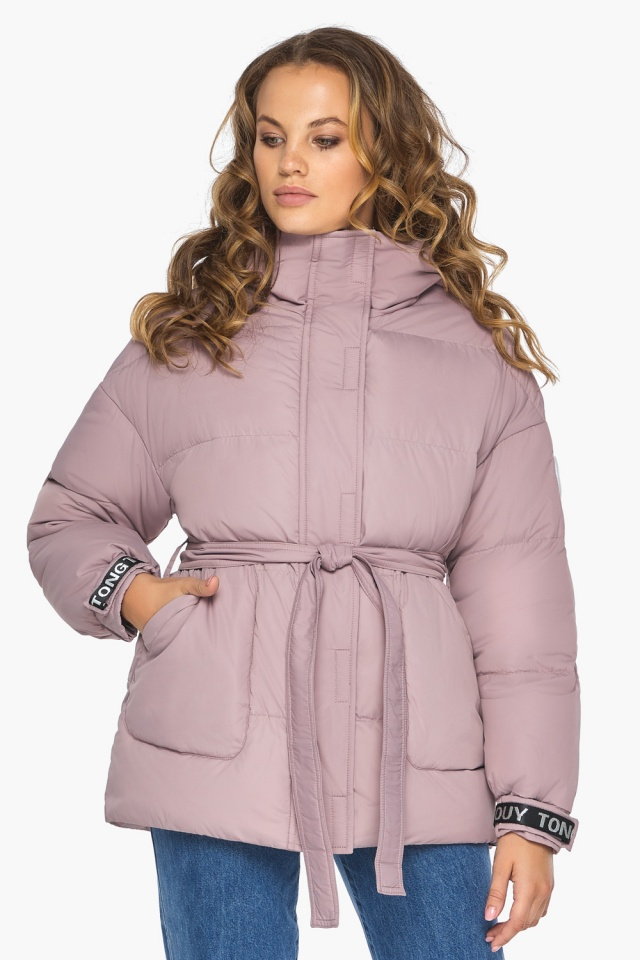 Осенняя куртка с приспущенным рукавом пудровая модель 21045 Youth фото 4