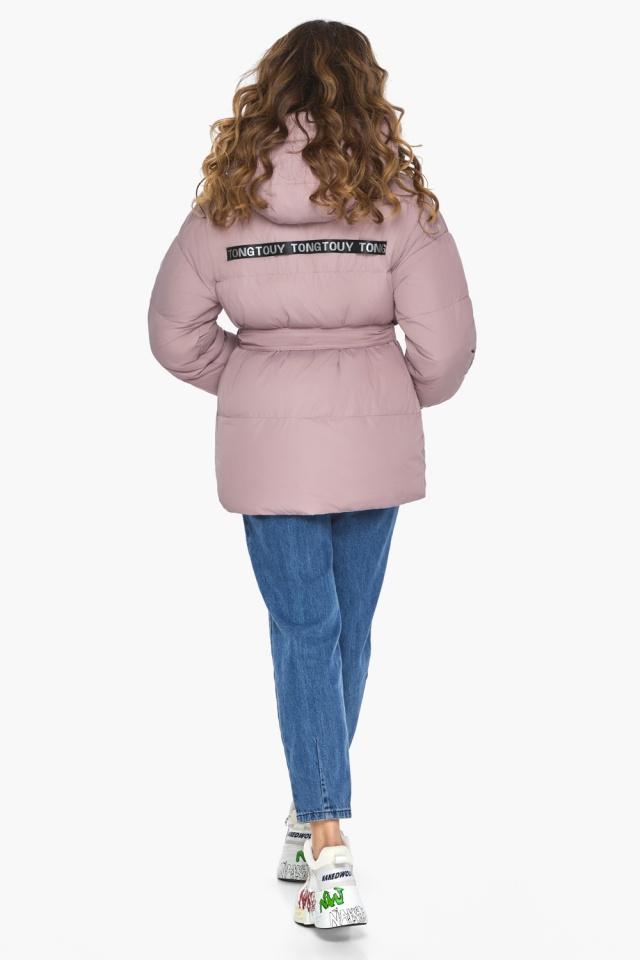 Осенняя куртка с приспущенным рукавом пудровая модель 21045 Youth фото 5