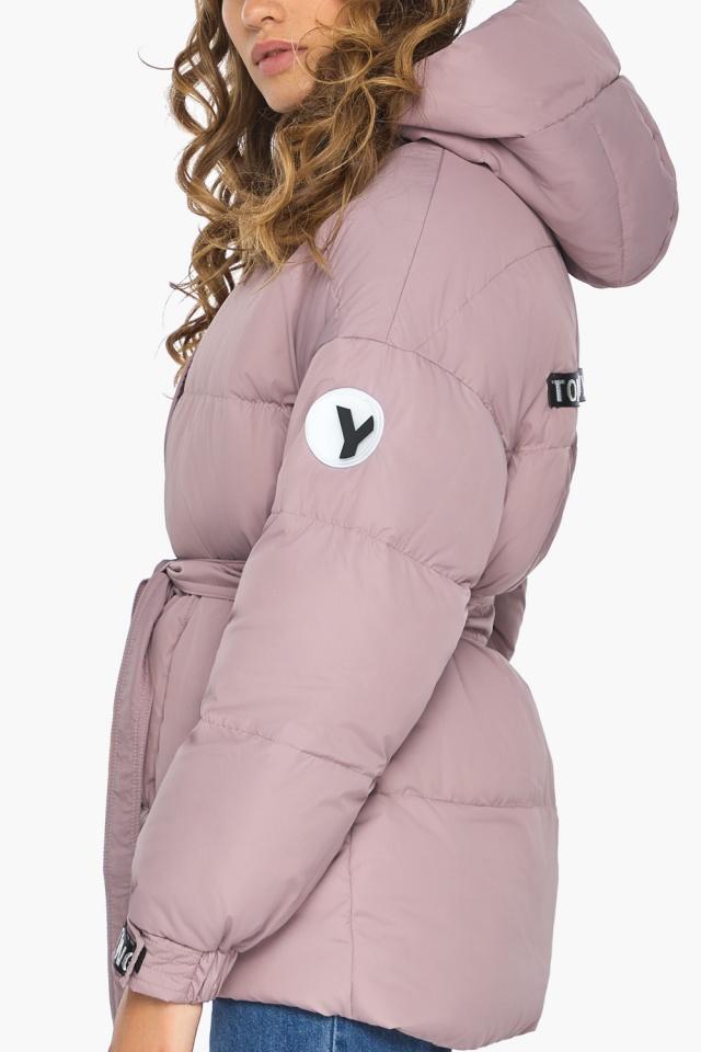 Осенняя куртка с приспущенным рукавом пудровая модель 21045 Youth фото 6