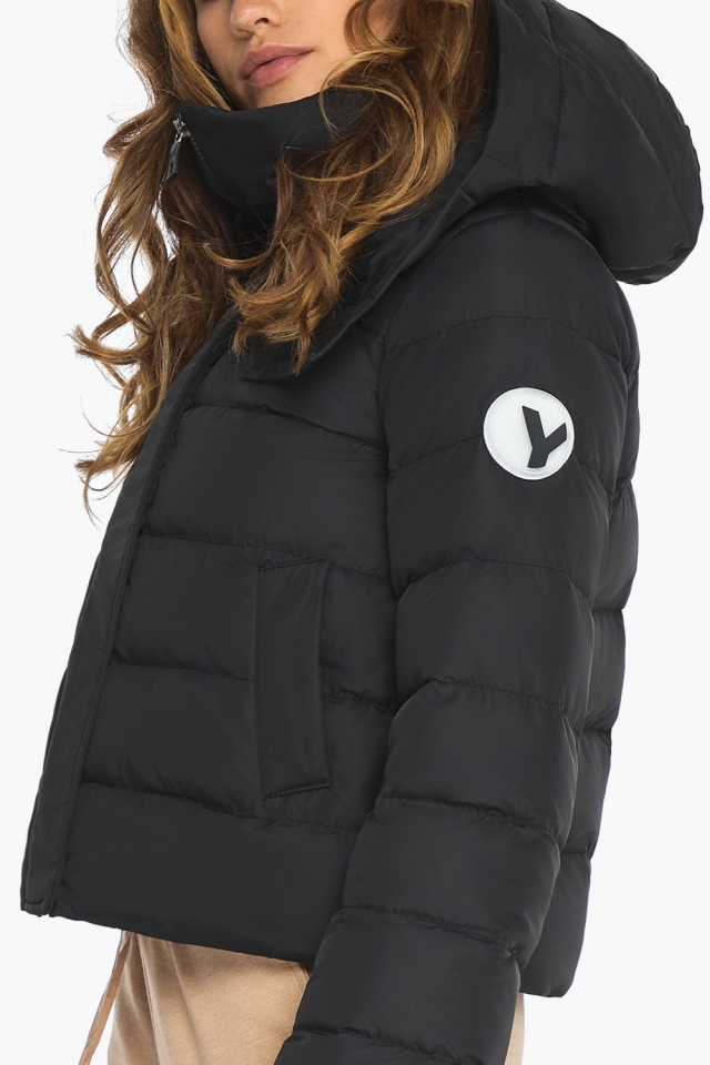 Куртка с капюшоном черная осенняя на девочку модель 21470 Youth фото 6
