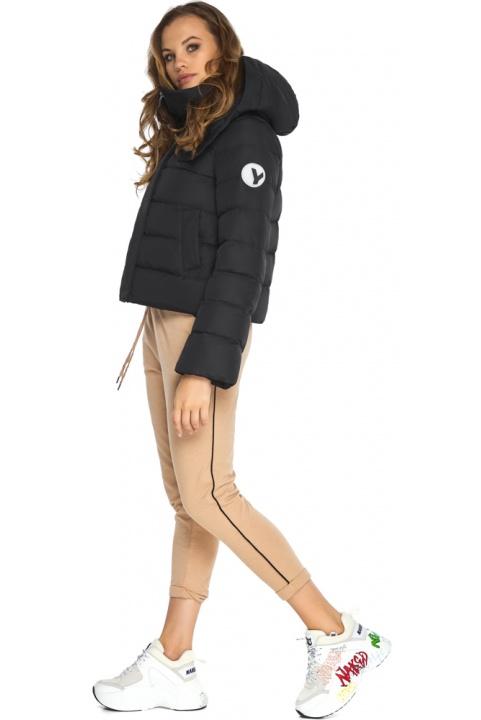 Куртка чорна осіння із закругленими деталями на дівчинку модель 21470 Youth фото 1