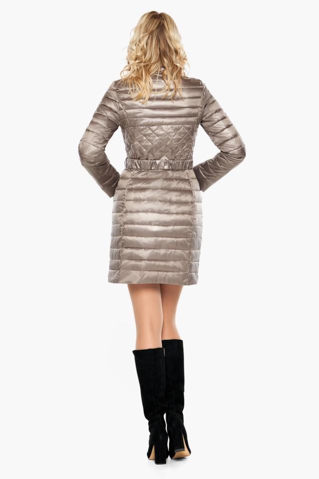 """Осенне-весенняя куртка женская цвет кварцевый модель 39002 Braggart """"Angel's Fluff"""" фото 5"""