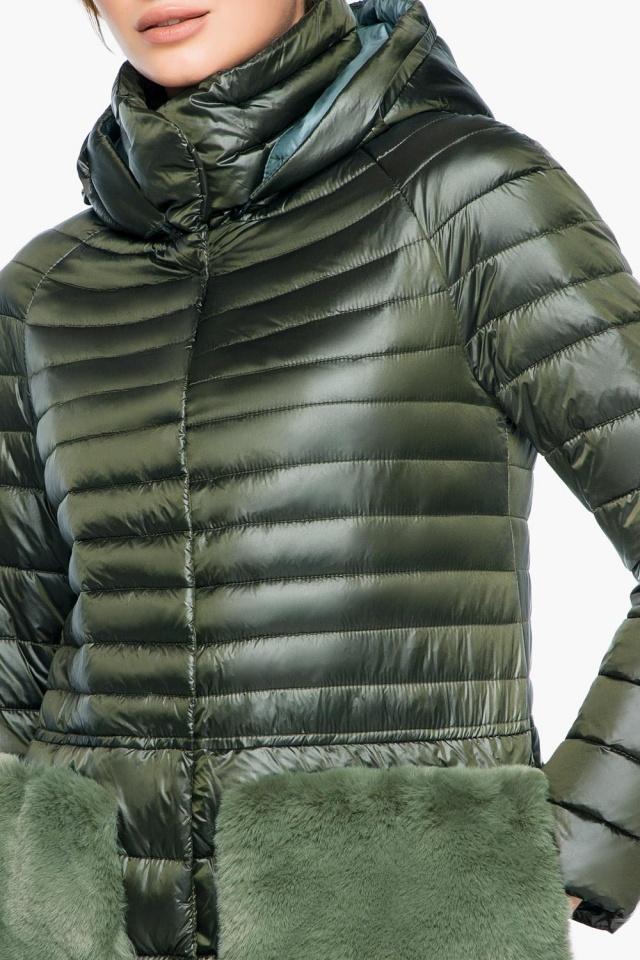 """Куртка с капюшоном женская осенне-весенняя цвет темный хаки модель 15115 Braggart """"Angel's Fluff"""" фото 6"""