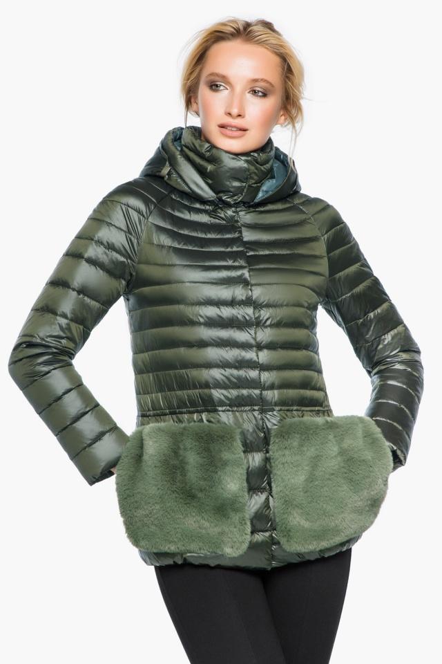 """Куртка с капюшоном женская осенне-весенняя цвет темный хаки модель 15115 Braggart """"Angel's Fluff"""" фото 4"""