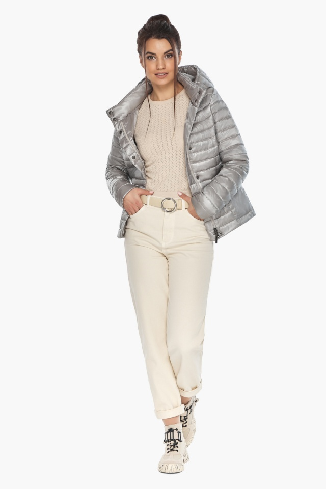 """Трендовая куртка женская цвет перламутровый светло-серый модель 67510 Braggart """"Angel's Fluff"""" фото 3"""