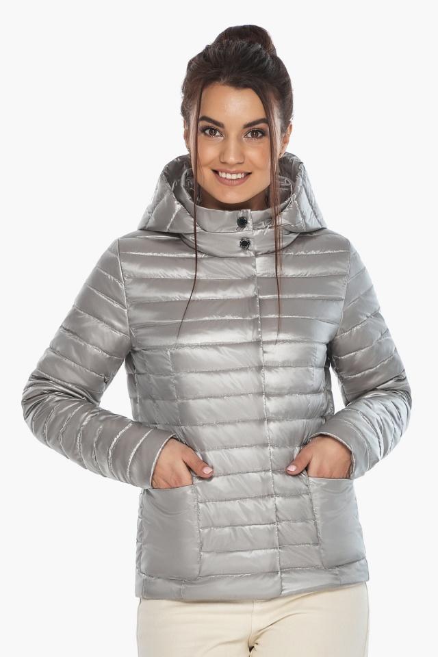 """Трендовая куртка женская цвет перламутровый светло-серый модель 67510 Braggart """"Angel's Fluff"""" фото 4"""