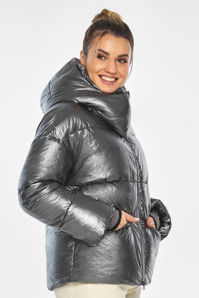 """Женская куртка трендовая цвет тёмное серебро модель 41975 Braggart """"Angel's Fluff"""" фото 4"""