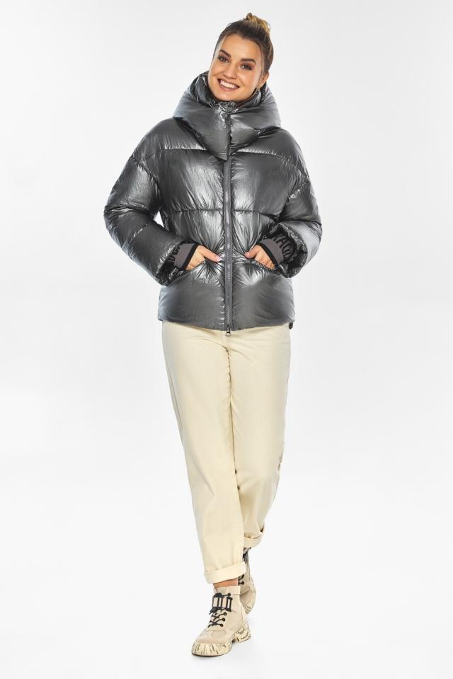 """Женская куртка трендовая цвет тёмное серебро модель 41975 Braggart """"Angel's Fluff"""" фото 2"""